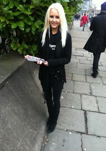 flyer distributors, leafter distriuting models, promo girls